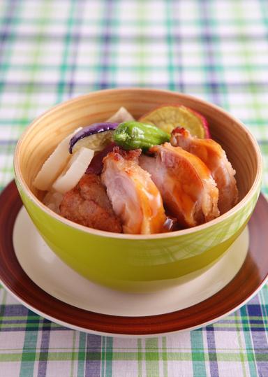 秋野菜のチキン丼 のレシピ・作り方 │ABCクッキングスタジオのレシピ