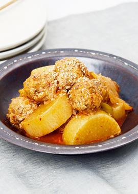 鶏レバー団子の韓国風煮込み