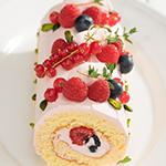 3種のベリーのロールケーキ
